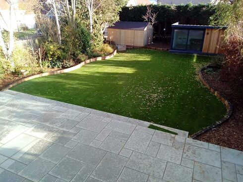 low maintenance artificial grass 3