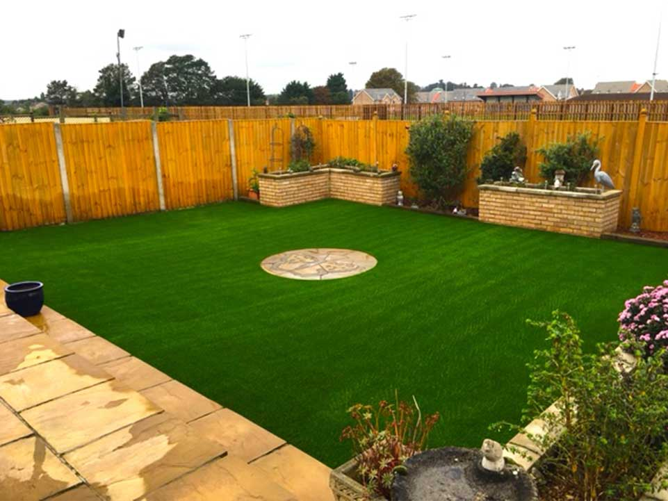 Family friendly gardens with synthetic grass