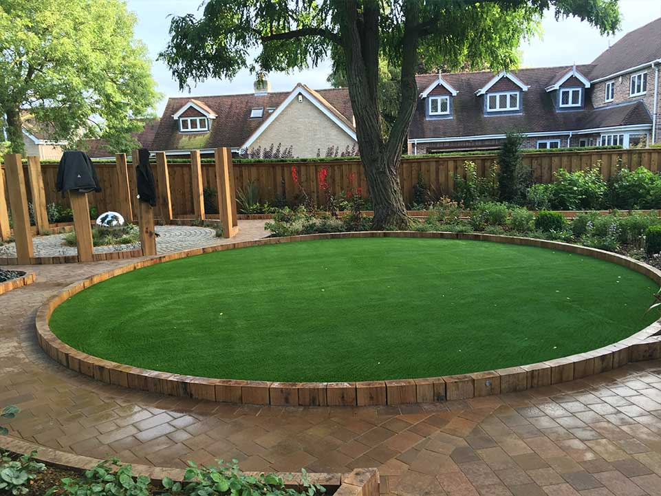 Round artificial grass garden
